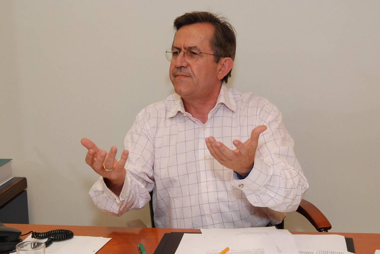 Νικολόπουλος: Ο Σαμαράς είναι γυμνός