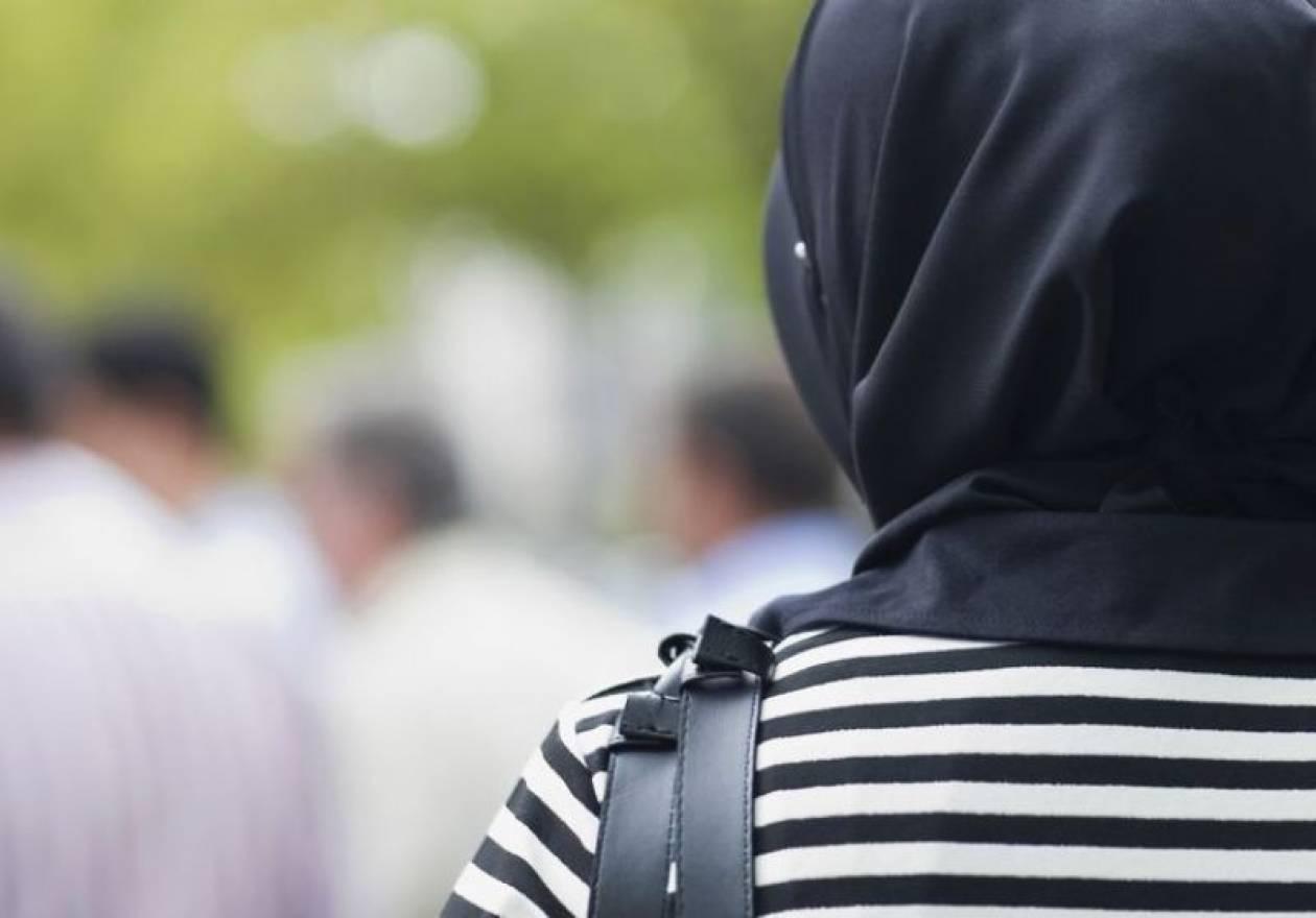 Ιράν: Επιθέσεις με οξύ σε γυναίκες που δεν φορούν σωστά τη μαντήλα!