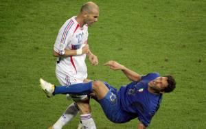 Απίστευτες ποδοσφαιρικές «μάχες»