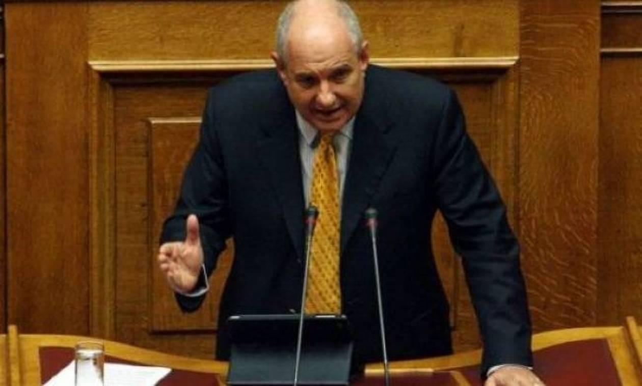 Κουίκ: Η συγκυβέρνηση δεν μπορεί να χειριστεί με ευθύνη τα εθνικά μας θέματα