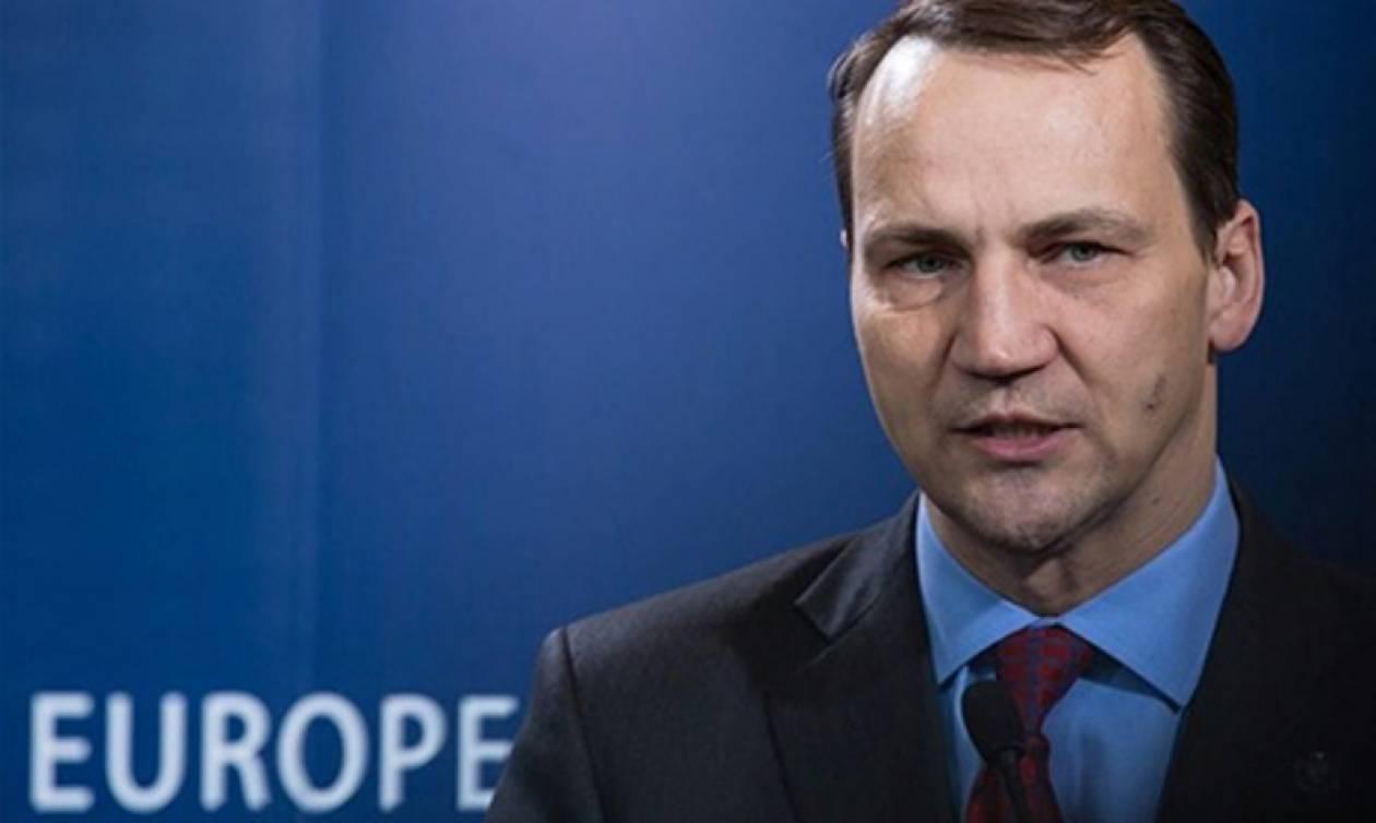 Ανακάλεσε για την πρόταση Πούτιν ο πρώην Πολωνός ΥΠΕΞ