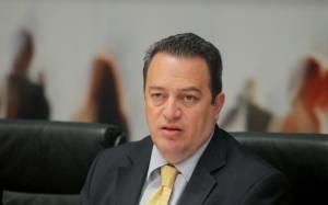 Ε. Στυλιανίδης: «Όποιος δεν είναι Καραμανλικός να το δηλώσει!»(vid)
