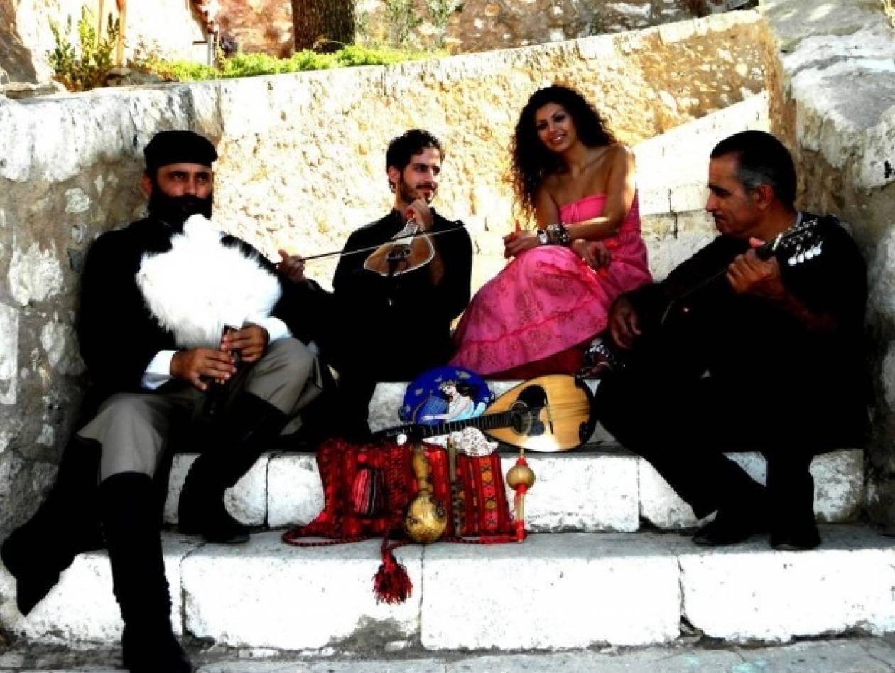 Κρήτη: Το πρωί παπάς, το βράδυ... τραγουδιστής! (pics+vid)