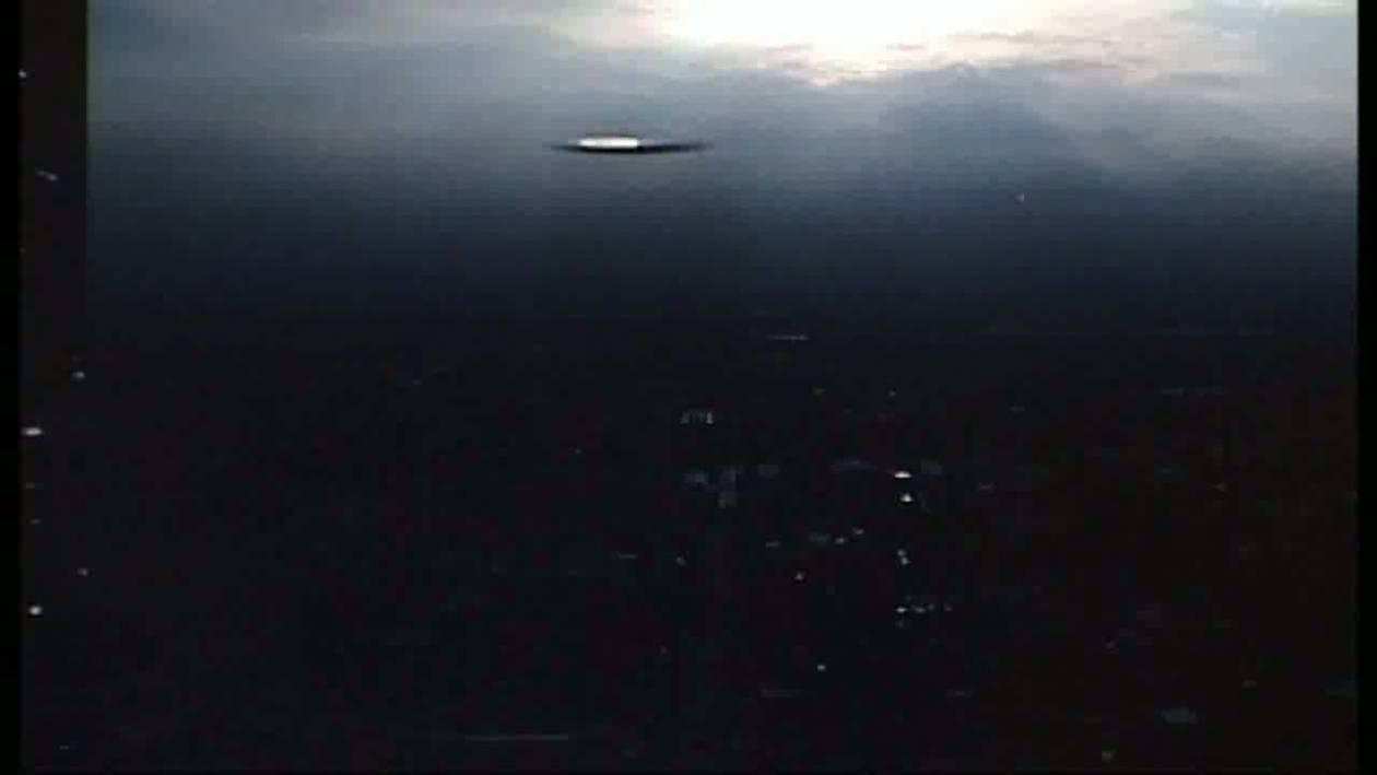 Βίντεο: Εντόπισε UFO πάνω από την Πόλη του Μεξικού