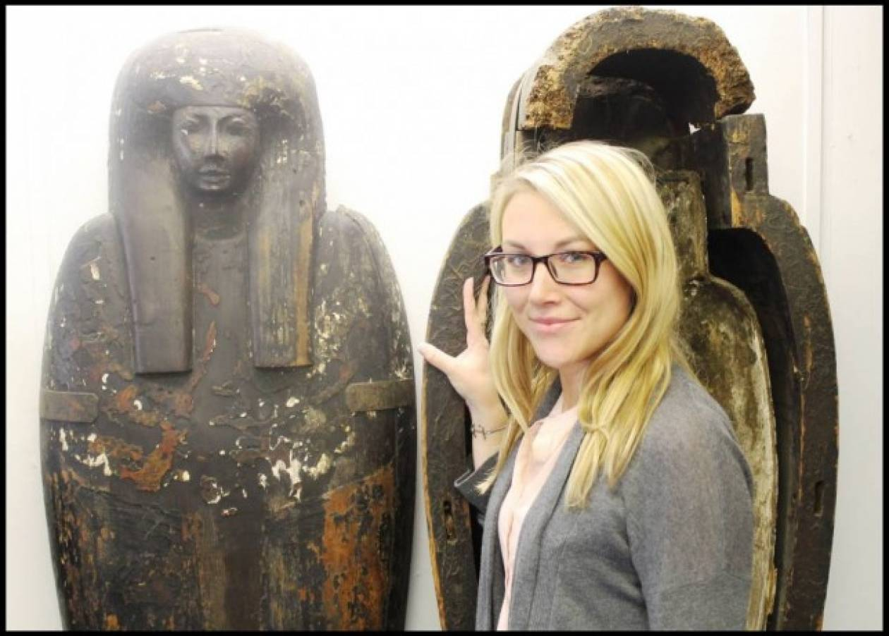 Ανακαλύφθηκε αιγυπτιακή σαρκοφάγος σε ένα... σαλόνι (pics)