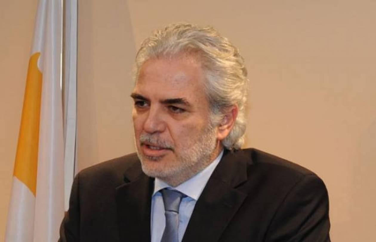 Ε.Ε.: Ο Χ. Στυλιανίδης αρμόδιος να συντονίζει την αντιμετώπιση του ιού Έμπολα