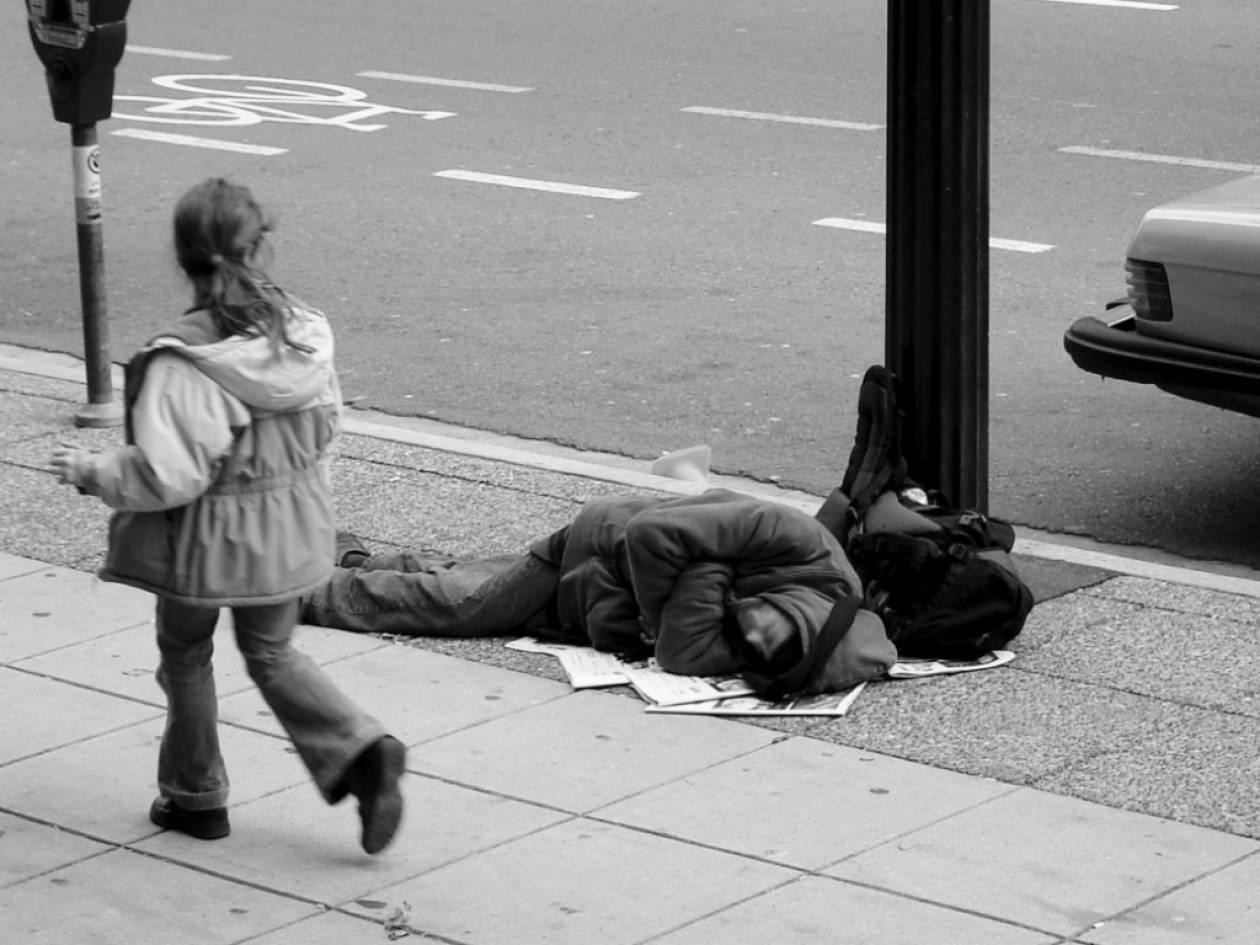 Κάθε νύχτα 1 εκατ. άνθρωποι σε Ευρώπη και ΗΠΑ είναι άστεγοι