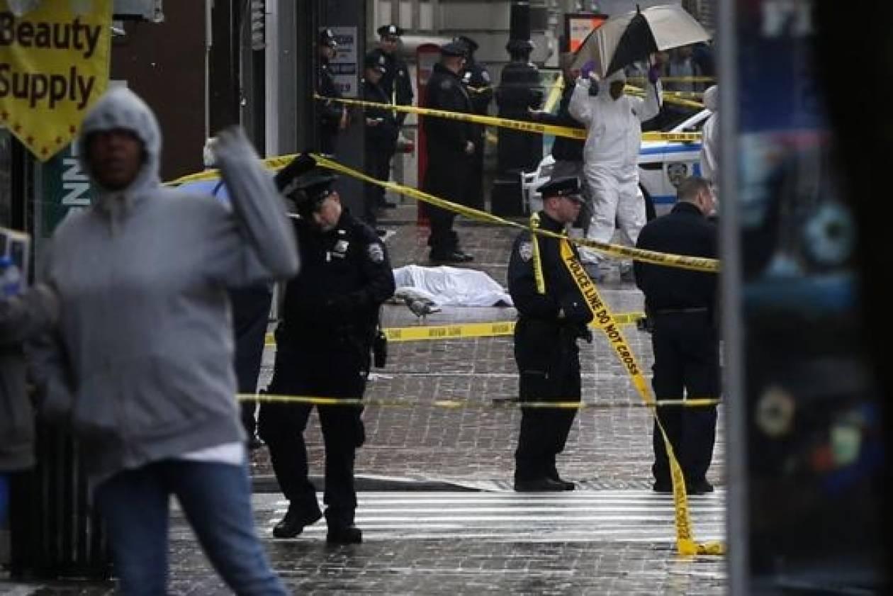 Επίθεση με τσεκούρι εναντίον αστυνομικών στη Νέα Υόρκη (pics)