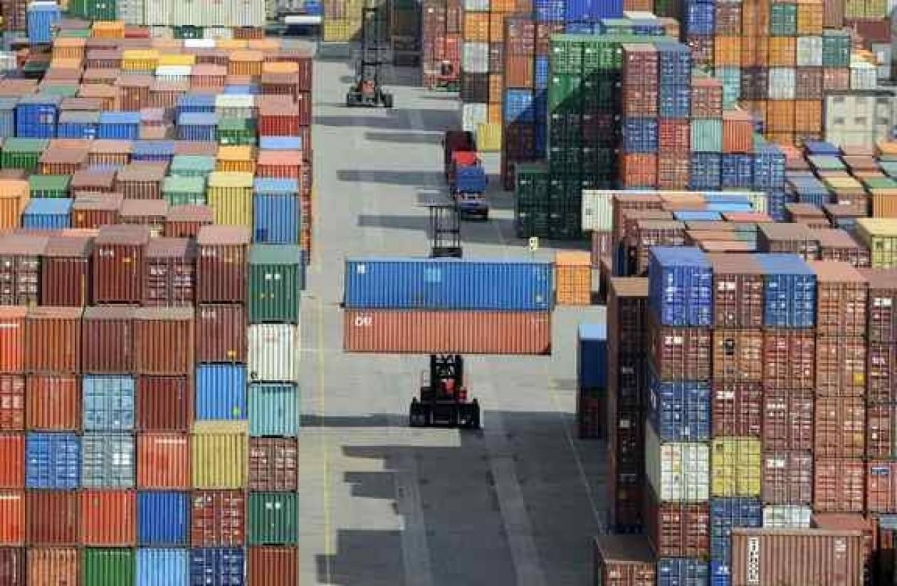 Συνεχίζεται η πτώση των εξαγωγών
