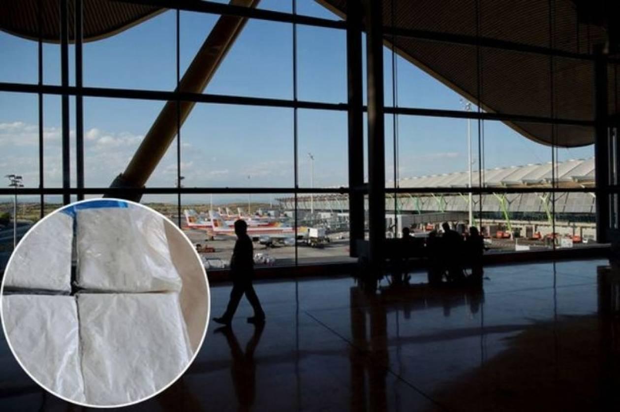 Μαδρίτη: Άφησαν Νιγηριανό να ξεψυχήσει στο αεροδρόμιο λόγω... Έμπολα!