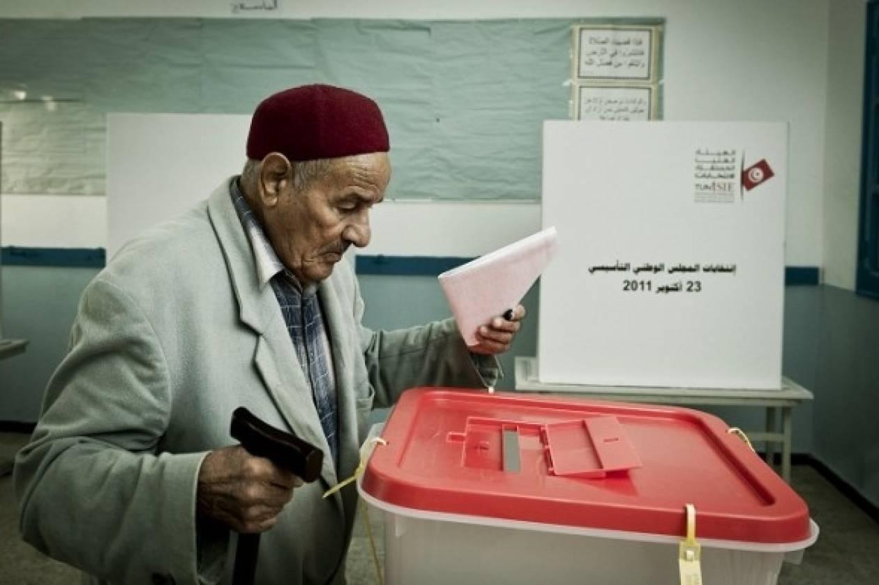 Τυνησία: Άνοιξαν οι κάλπες για τις βουλευτικές εκλογές