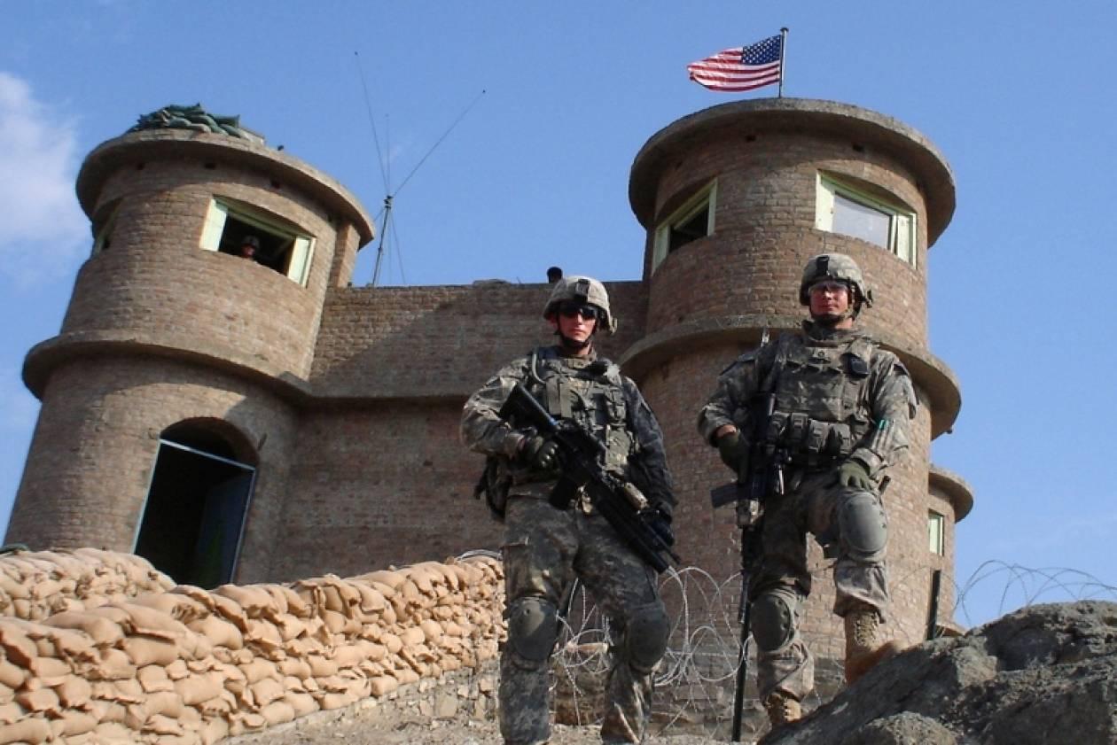Αφγανιστάν: ΗΠΑ και Βρετανία παρέδωσαν βάσεις τους στον στρατό