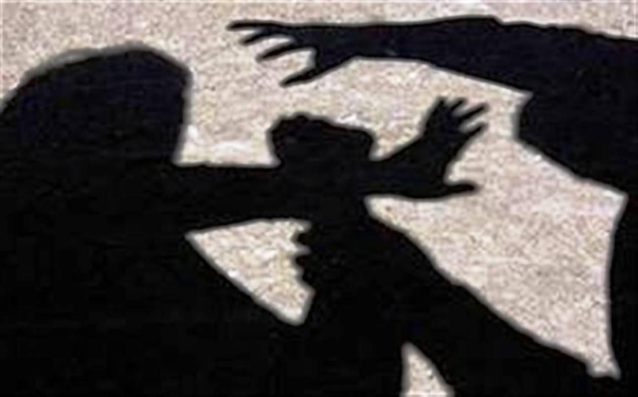Μαγνησία: Ξυλοκόπησαν 19χρονη στη μέση του δρόμου