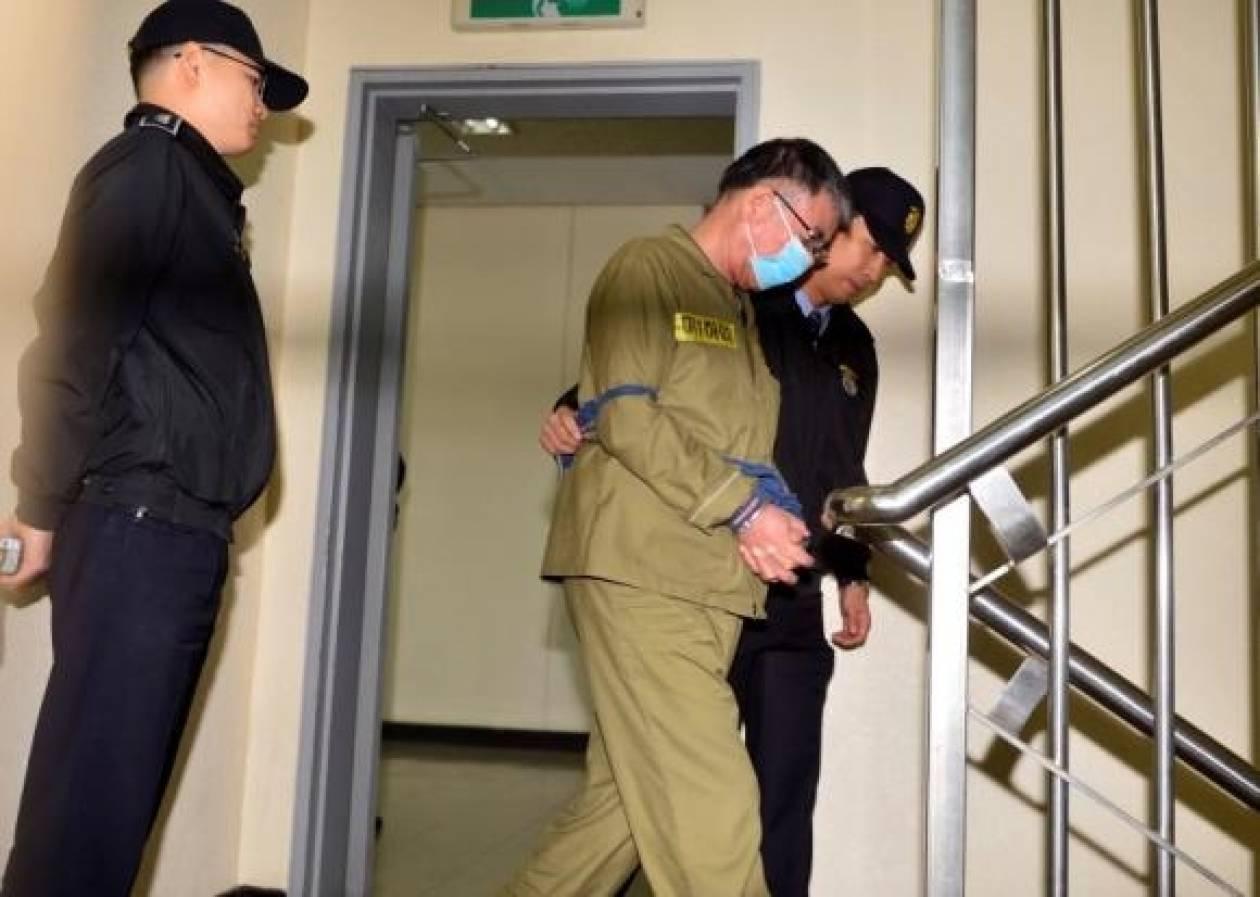 Ν. Κορέα: Θανατική ποινή για τον καπετάνιο του Sewol ζητούν οι εισαγγελείς