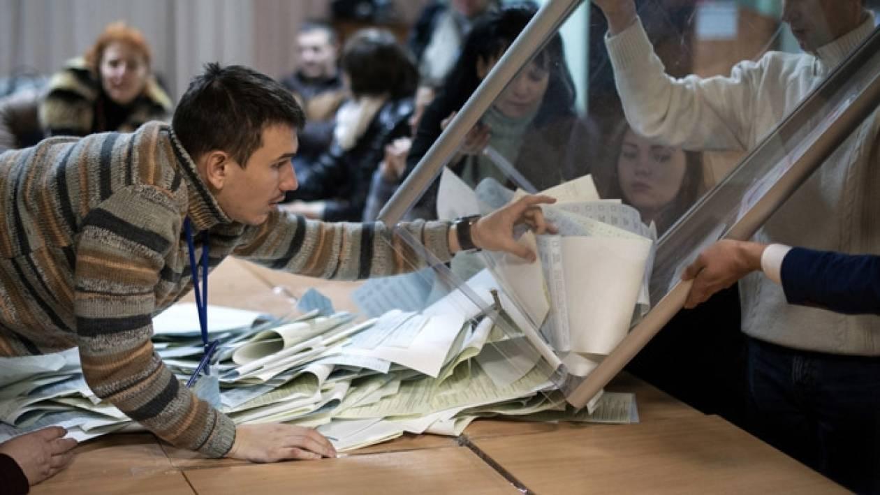 Λαβρόφ: Η Μόσχα θα αναγνωρίσει τις εκλογές των αυτονομιστών