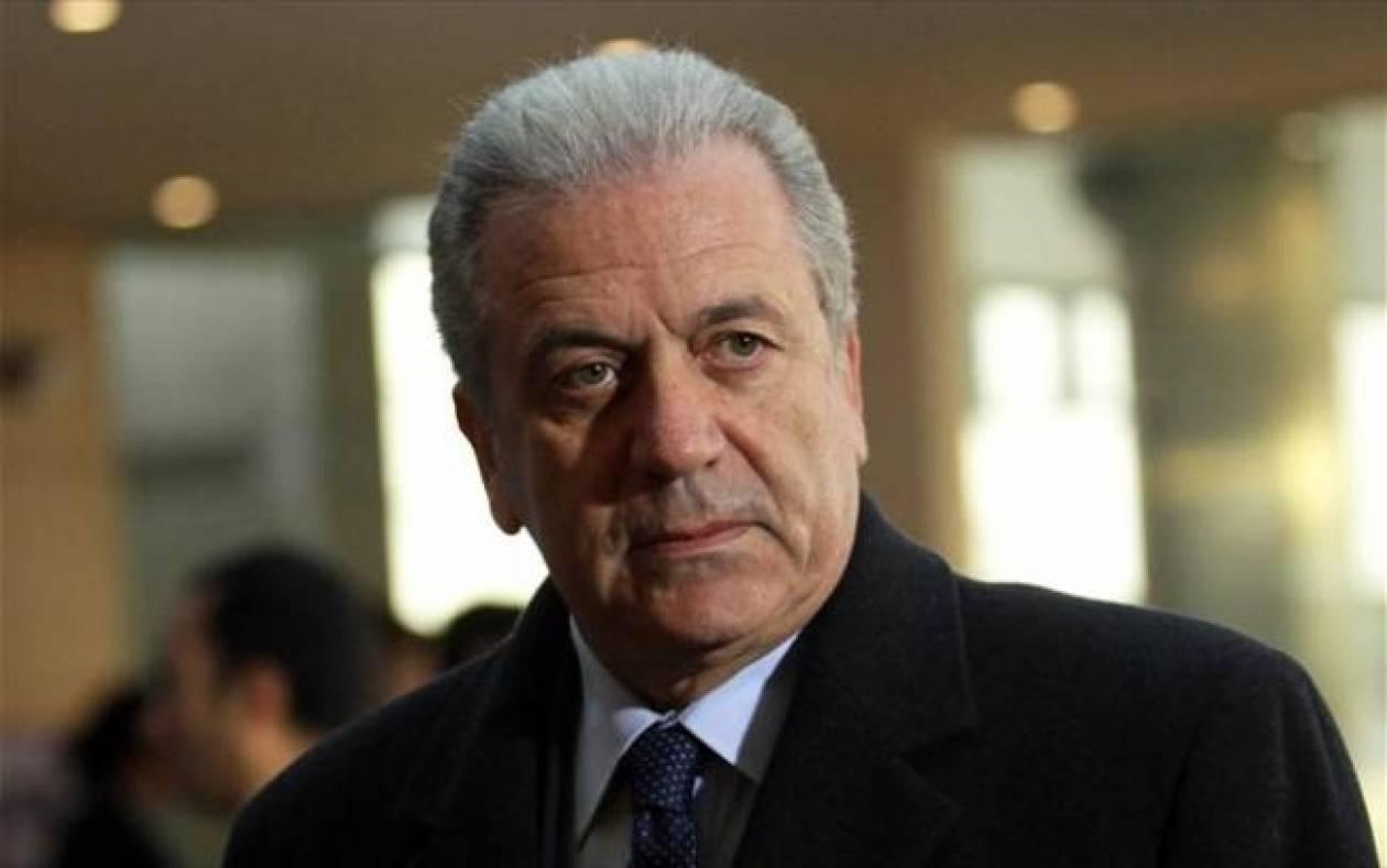 Δ. Αβραμόπουλος: Ο Ελληνικός Στρατός σύμβολο ασφάλειας