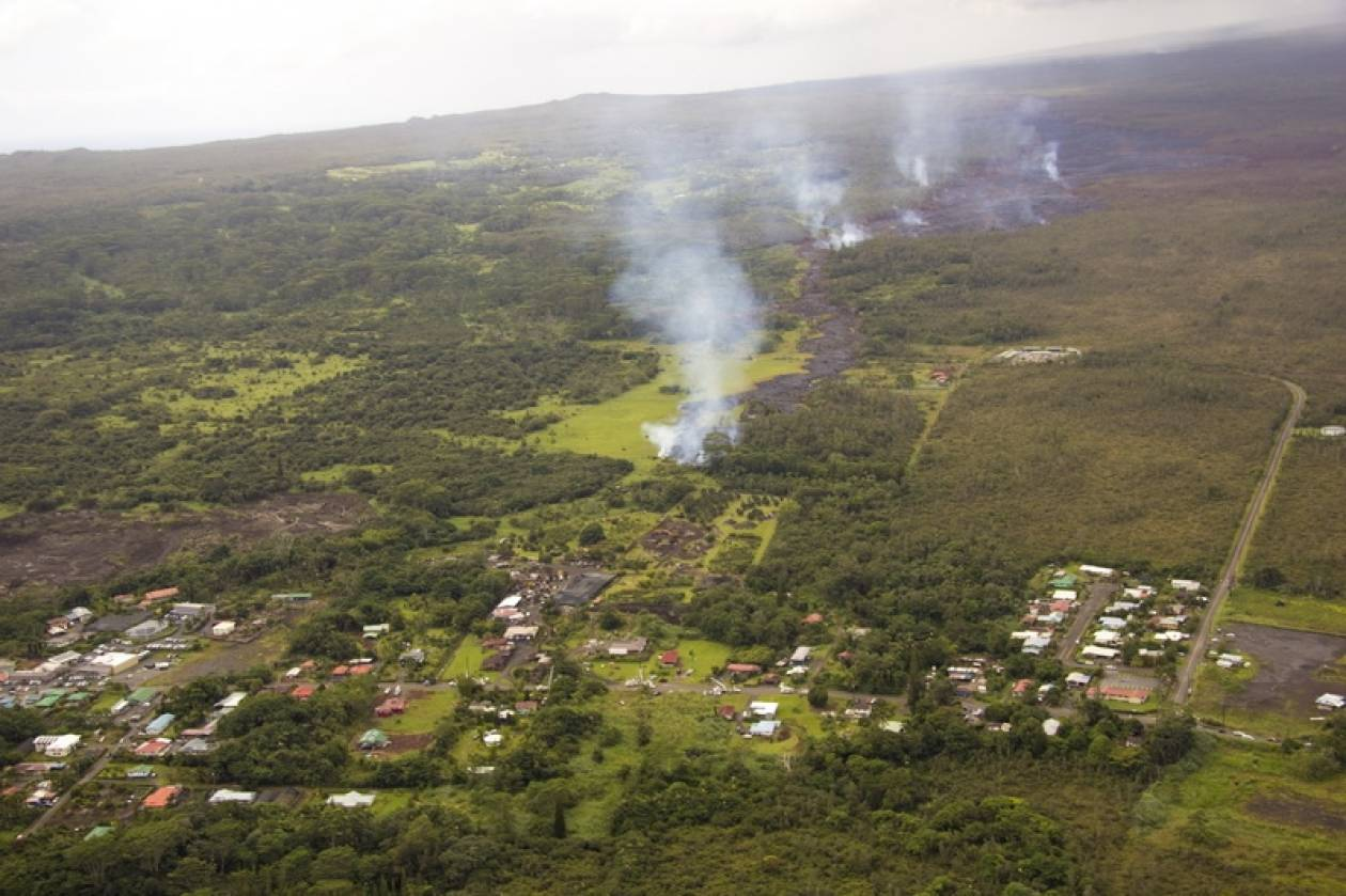 Χαβάη: Η λάβα του ηφαιστείου Κιλαουέα πλησιάζει κατοικημένες περιοχές (pics+vid)