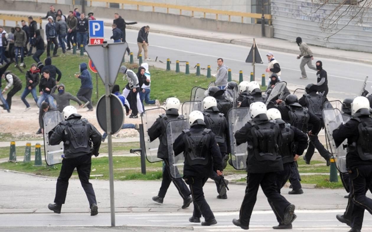 Σκόπια: Έρευνες της αστυνομίας για τις οβίδες που ρίχθηκαν σε κυβερνητικό