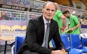Ιβάνοβιτς: «Να βελτιωθούμε και να κερδίσουμε»
