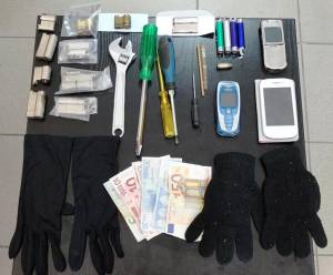 Συνελήφθησαν τα μέλη ομάδας που διέπραξαν δεκάδες κλοπές σε σπίτια στην Ημαθία