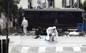 Στα χέρια τρομοκρατών και ποινικών ένα ολόκληρο οπλοστάσιο