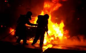 Στις φλόγες φορτηγό στα Κάτω Πατήσια