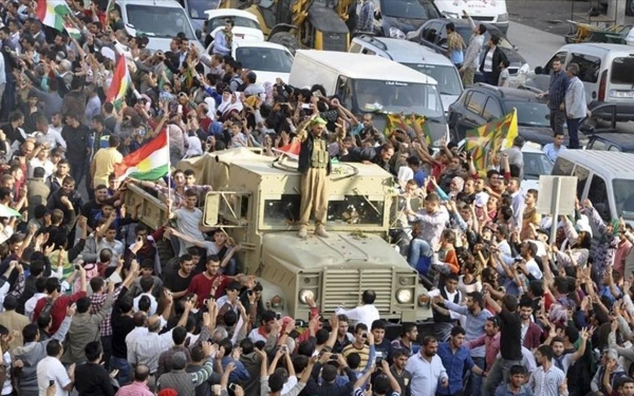 Φθάνουν στην πόλη Κομπάνι οι Κούρδοι μαχητές