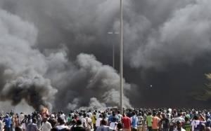 Μπουρκίνα Φάσο: Στις φλόγες το κοινοβούλιο