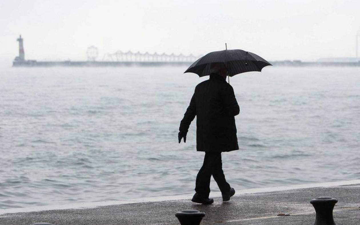 Καιρός: Βροχές την Παρασκευή σε ολόκληρη τη χώρα - Πτώση της θερμοκρασίας στα βόρεια