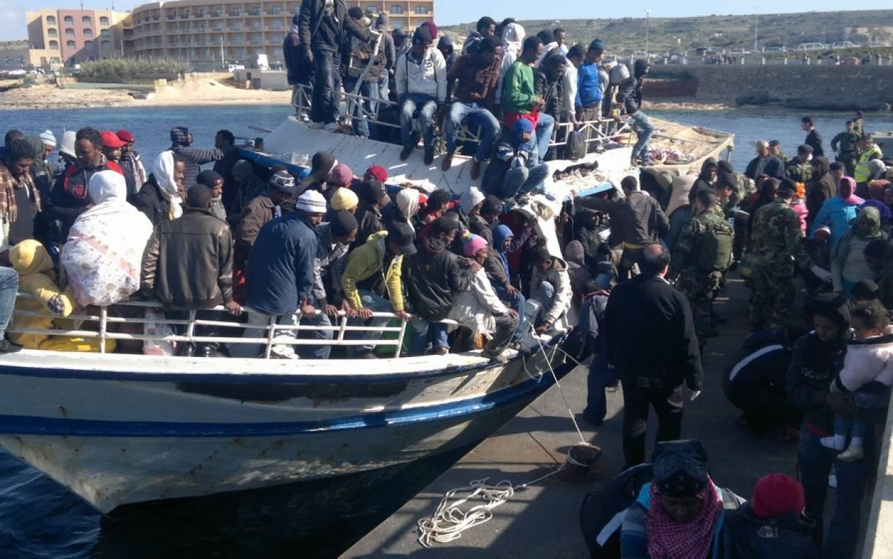 Σχεδόν 1.000 μετανάστες διασώθηκαν στη Μεσόγειο τις τελευταίες 24 ώρες