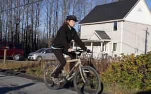 Έμπολα-ΗΠΑ: Η νοσηλεύτρια βγήκε βόλτα με το ποδήλατο