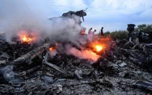 Βρίσκουν ακόμα ανθρώπινα υπολείμματα από τη συντριβή του Boeing στην Ουκρανία