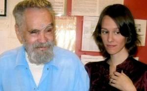 Παντρεύεται ο κατά συρροή δολοφόνος Τσαρλς Μάνσον