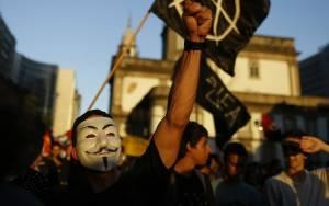 Άρχισαν τις κυβερνοεπιθέσεις σε σελίδες τζιχαντιστών οι Anonymous