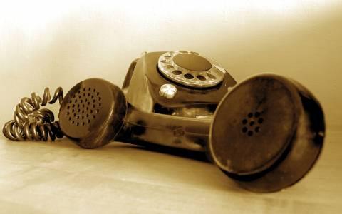 Τηλέφωνο; Παλιά! – To λέει μέχρι ο John και η Yoko! (video)