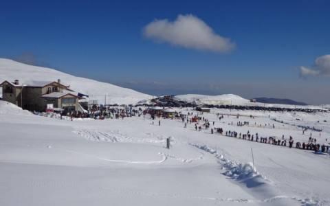Άφθονο το χιόνι στα χιονοδρομικά κέντρα