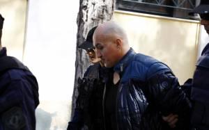 Υπό δρακόντεια μέτρα ασφαλείας απολογείται ο Βλαστός για το κύκλωμα εκβιαστών