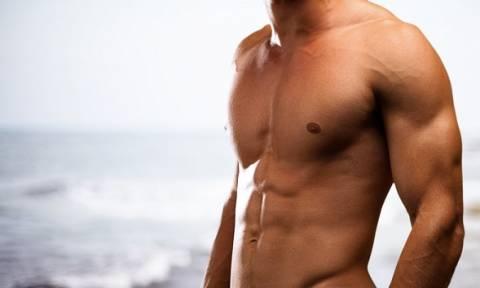 Κάνε αυτές τις ασκήσεις και θα δεις το στήθος σου να αλλάζει (video)