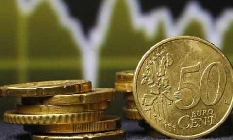 Θα υποχωρήσουν γιατί το δολάριο «τρώει» το ευρώ