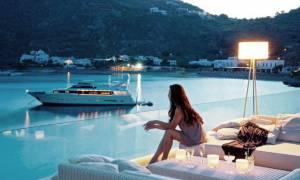 Αυξήθηκαν οι ημέρες απασχόλησης στον τουρισμό το 2014