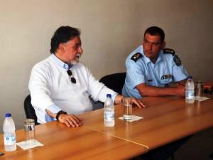 Λέσβος: Για τα προβλήματα με τους μετανάστες ενημερώθηκε ο Γιάννης Πανούσης (photos)