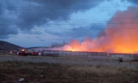 Υπό έλεγχο η φωτιά στο εργοστάσιο ανακύκλωσης του Ασπρόπυργου