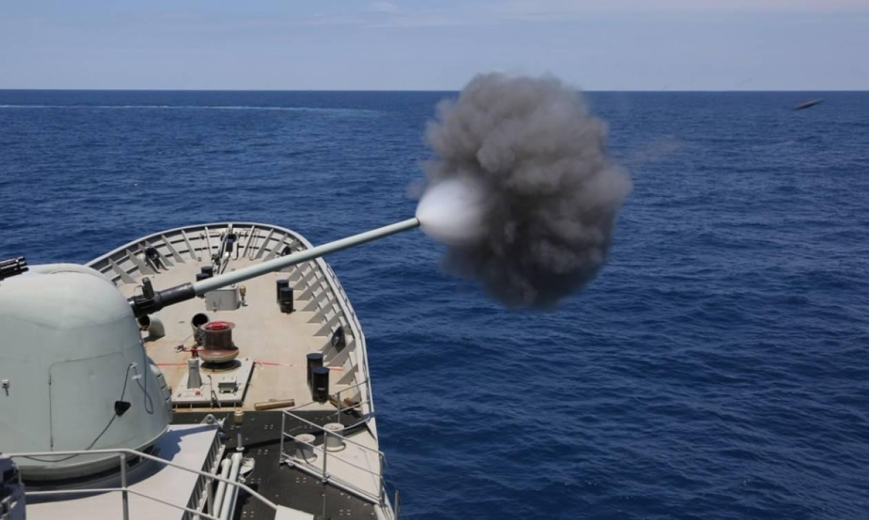 Ένταση στο Αιγαίο: Προειδοποιητικές βολές κατά τουρκικού πολεμικού σκάφους
