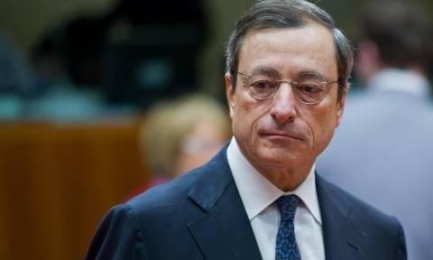 Ντράγκι: Πολιτικοί και όχι τραπεζίτες θα πρέπει να αποφασίσουν για την Ελλάδα (video)
