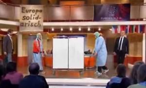 Το βίντεο που σαρώνει: Ο… Έλληνας ασθενής και η «θεραπεία» με το τσεκούρι (video)