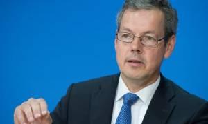 Συμφωνία – Μπόφινγκερ: Αναγκαίο να γίνει μια παράταση της αποπληρωμής του ελληνικού χρέους