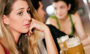Η ζήλια μπορεί να οδηγήσει στον αλκοολισμό