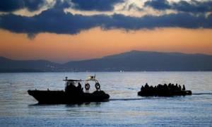 Βίντεο-ντοκουμέντο: Τουρκική ακταιωρός «συνοδεύει» φουσκωτό με πρόσφυγες