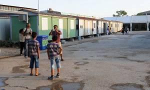 Ελαιώνας: Περίπου 3.000 άτομα έχουν φιλοξενηθεί μέχρι σήμερα - Έκκληση για είδη ανάγκης