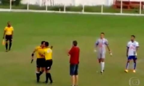 Βραζιλιάνος διαιτητής τράβηξε όπλο την ώρα του αγώνα (video)!